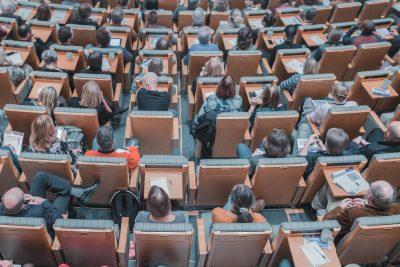 Ilustrační fotografie: Konference